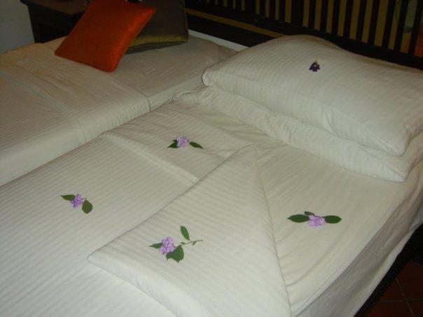 Название:  1 отель - кровать.jpg Просмотров: 39 Размер:  30,4 Кбайт